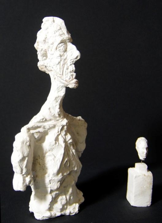 Buste de Diego et Petite tête de Simone de Beauvoir. Perruques réalisées au début des années 1980, non autorisées par la veuve de l'artiste, offertes à la fondation Annette et Alberto Giacometti en 2015.