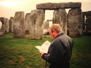 Gil Travels to Stone Henge