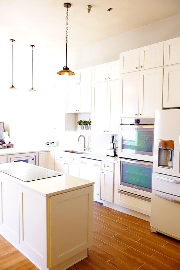 Kitchen Remodel: Whirlpool White Ice Appliances | gimmesomeoven.com