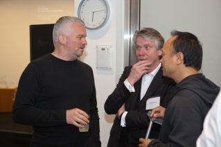 Wilhelm Oehl (Partner Eight Inc.) in discussion with Prof. Klaus Klemp and Joe Tan (Incase) | © 2011 Philipp Weitz Photography