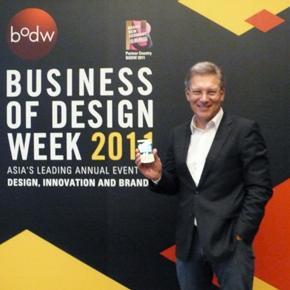 Roland Heiler, Managing Director of Porsche Design, presenting the new Porsche BlackBerry