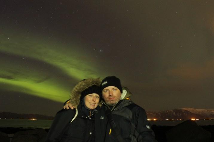 Nordlichter (Aurora Borealis) beim Grótta Leuchtturm Roadtrip Island gindeslebens.com © Thomas Mussbacher und Ines Erlacher