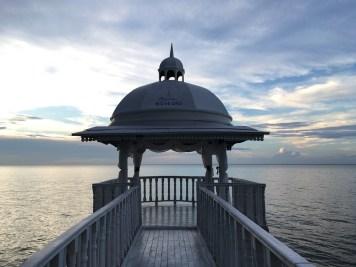 Strandpavillon Heiratsantrag und Hochzeit im Ausland www.gindeslebens.com