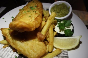 Fish & Chips The Quays Bar und Restaurant Dublin www.gindeslebens.com