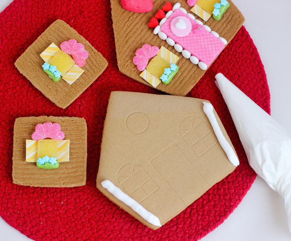 Gingerbread House | The Gingerbread Journal | How to make a festive ...