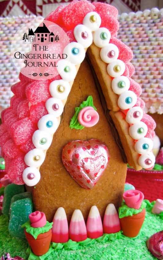 valentines gingerbread house fpe-10wm-1