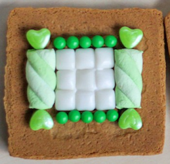 gingerbread house St. Patrick's Day 2015-4