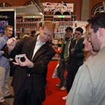 Trade Show Magician - featured - Gingermagic
