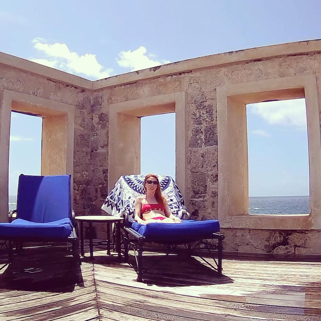 lounge sea view pool