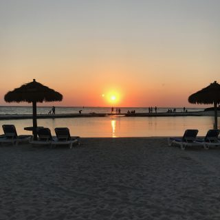 Where to Stay in Aruba: Airbnb or Hotel?