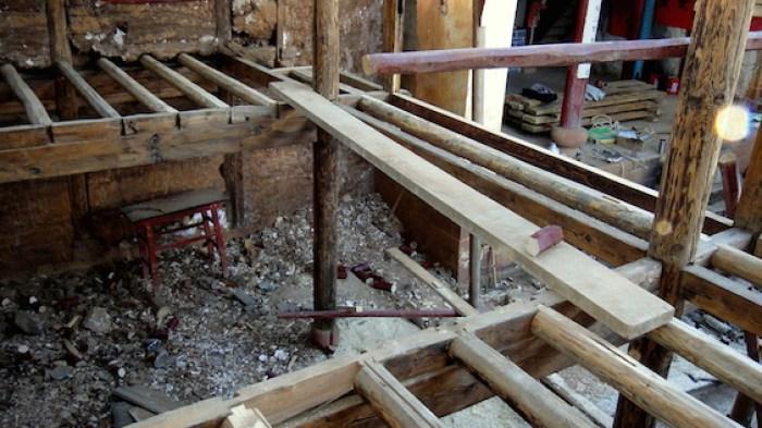 Sakyamuni Hall new loft floor beam install