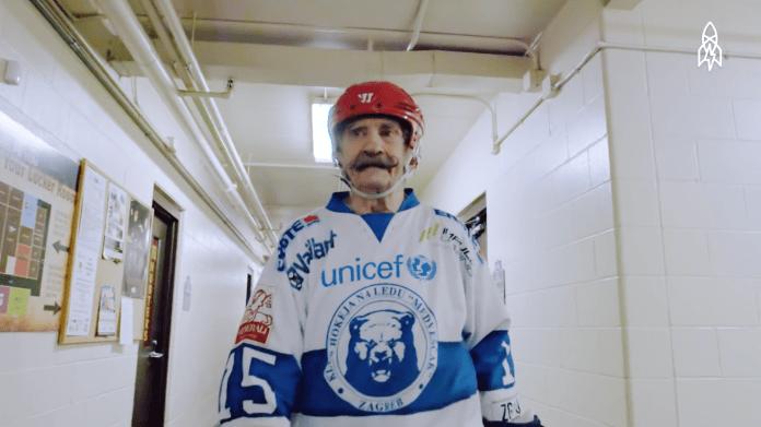 The world's oldest hockey player, Mark Sertich