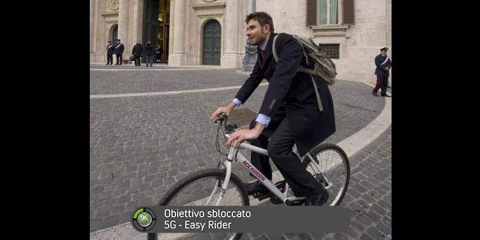 """""""Entra a Palazzo in bicicletta."""""""