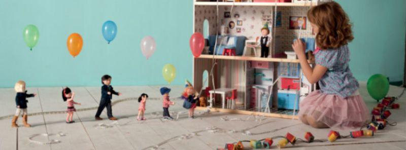 Casa delle bambole di legno al miglior prezzo giocattoli - Nascondigli segreti in casa ...