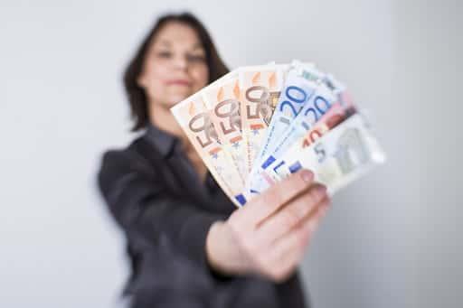 入出金サービスとの契約も重要