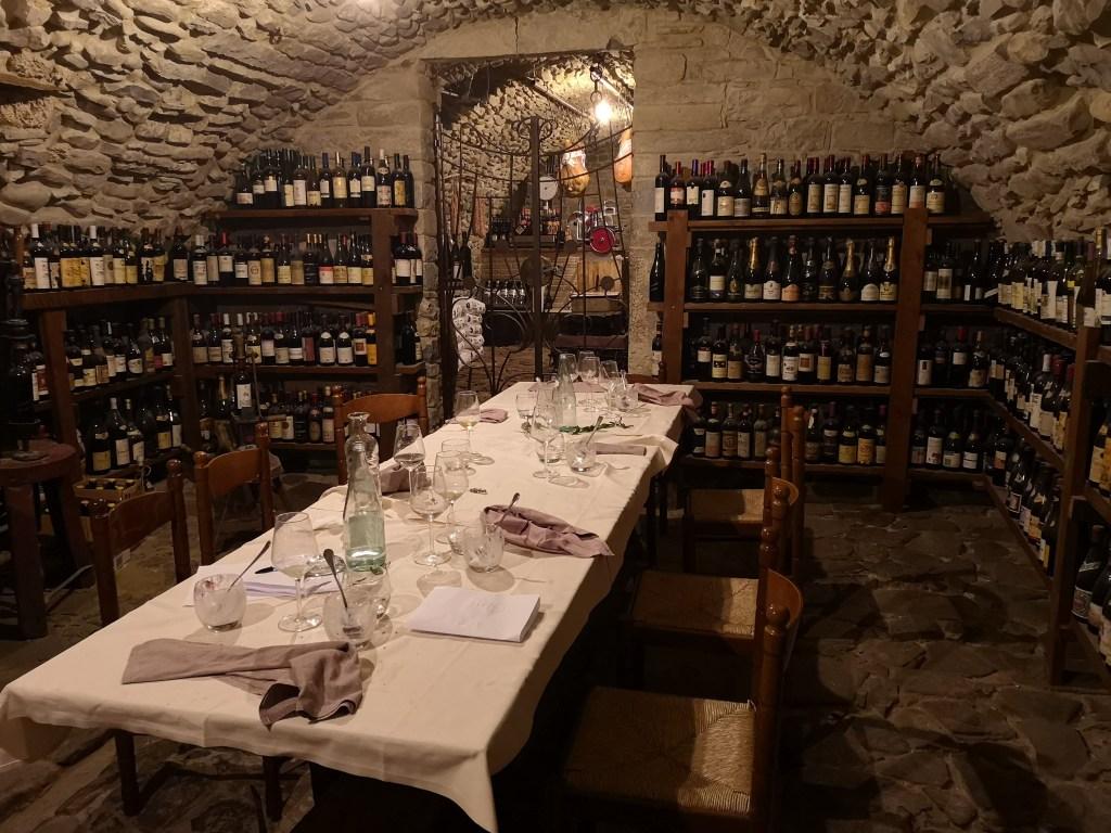 """Pizza Story al """"Ristorante Fontana"""" di Calestano: il dopo cena in uno dei tre tavoli prenotati"""