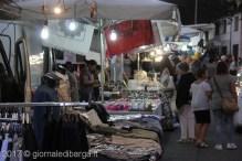 mercatino-sotto-le-stelle-barga-44.jpg