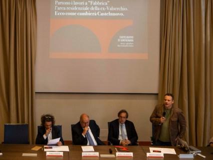 Conferenza ex Valserchio_da sx architetto Puccetti, presidente GENIMM Tognetti, sindaco Tagliasacchi, responsabile comunicazione GENIMM Bonugli