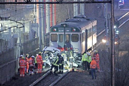 Lo schianto in via Ziziola - Foto Pierre Putelli/Neg © www.giornaledibrescia.it