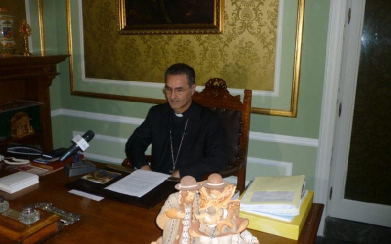 """Il vescovo Cuttitta interviene nella """"vicenda omofoba"""" di Chiaramonte: """"Chiedo scusa a nome della Chiesa iblea"""""""