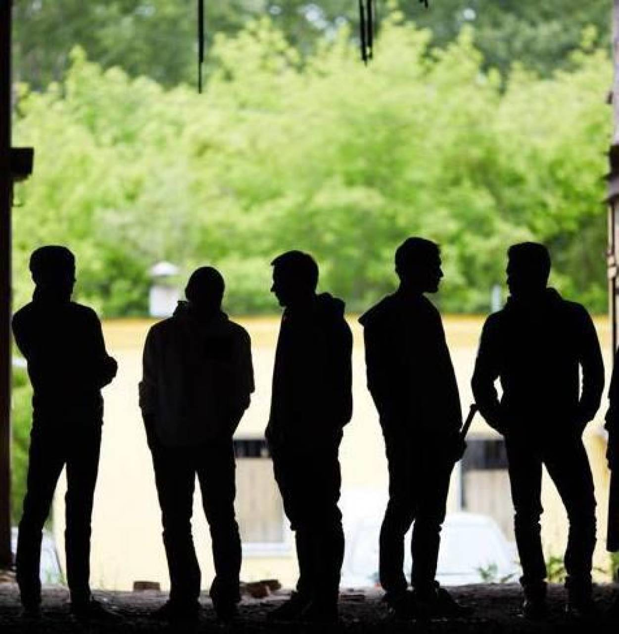 Albano, 3 ragazzi ubriachi aggrediscono titolare di un bar e un poliziotto: fermati