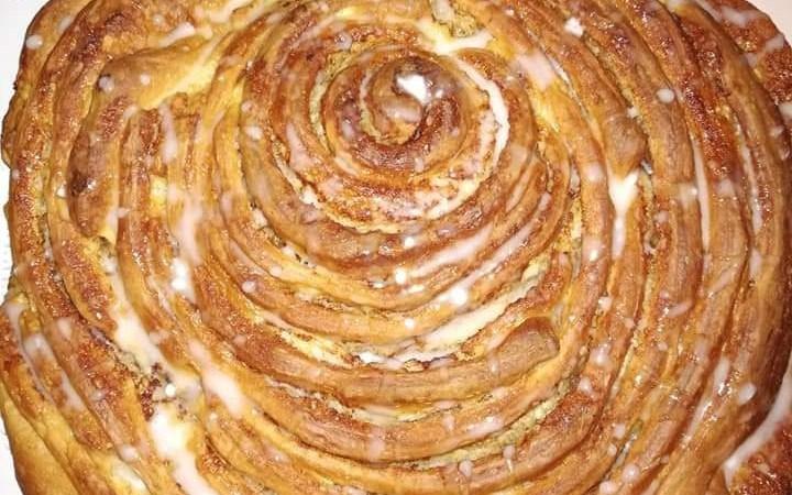 """In Cucina con Info presenta """"Cinnamon roll cake"""""""
