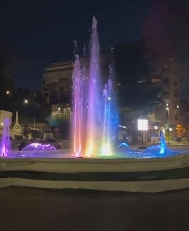 Velletri, si accende la Fontana di Piazza Garibaldi! (FOTO)