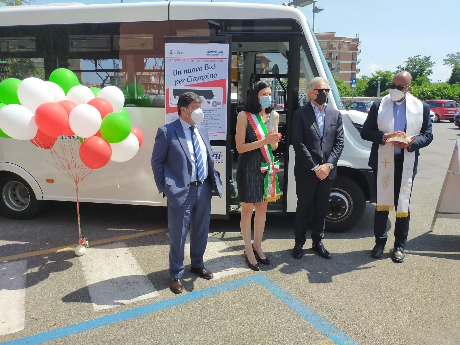 Ciampino, inaugurato nuovo automezzo del Trasporto Pubblico