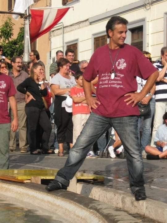 Lanuvio, la comunità ricorda il 54enne Alessandro Cocco, deceduto dopo il vaccino a Bari