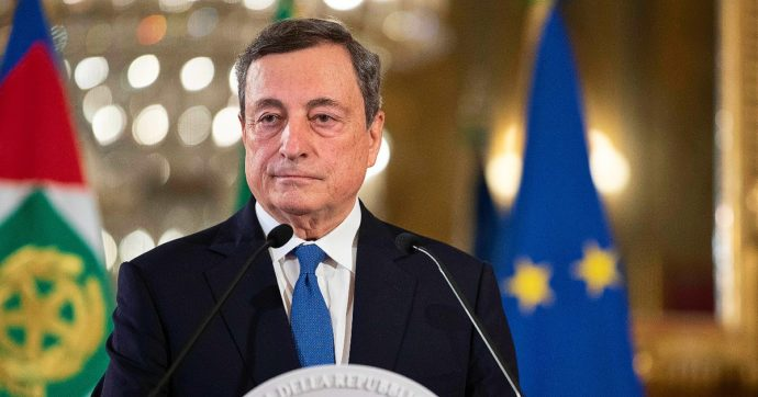 Draghi: green pass consente di stare aperti