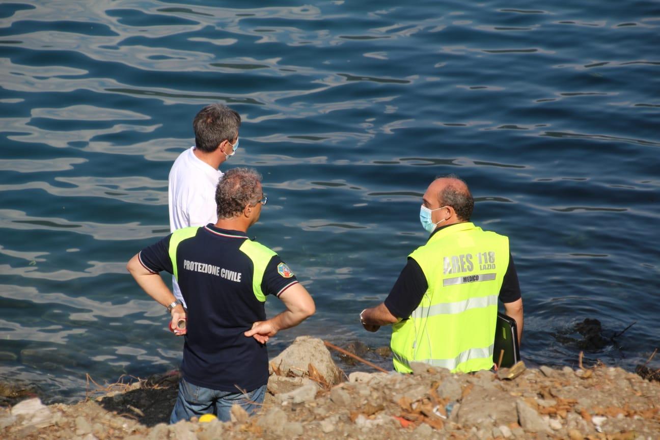 Castel Gandolfo, trovato un corpo morto al lago. Indagano i Carabinieri