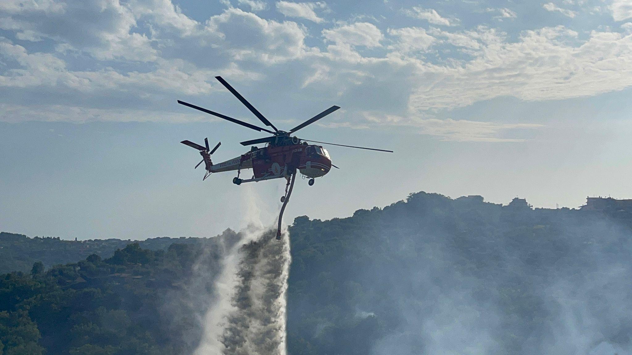 Incendi, anche la Protezione Civile di Genzano corre in aiuto del Sud Pontino