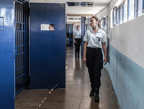 """Ostia, detenuto evade dall'Ospedale Grassi. Uilpa: """"dotare la polizia penitenziaria di taser"""""""