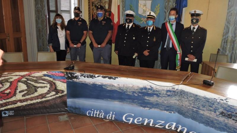 Genzano, consegnati 4 encomi ai due poliziotti e ai due agenti della Polizia Locale che tirarono fuori anziano da casa in fiamme