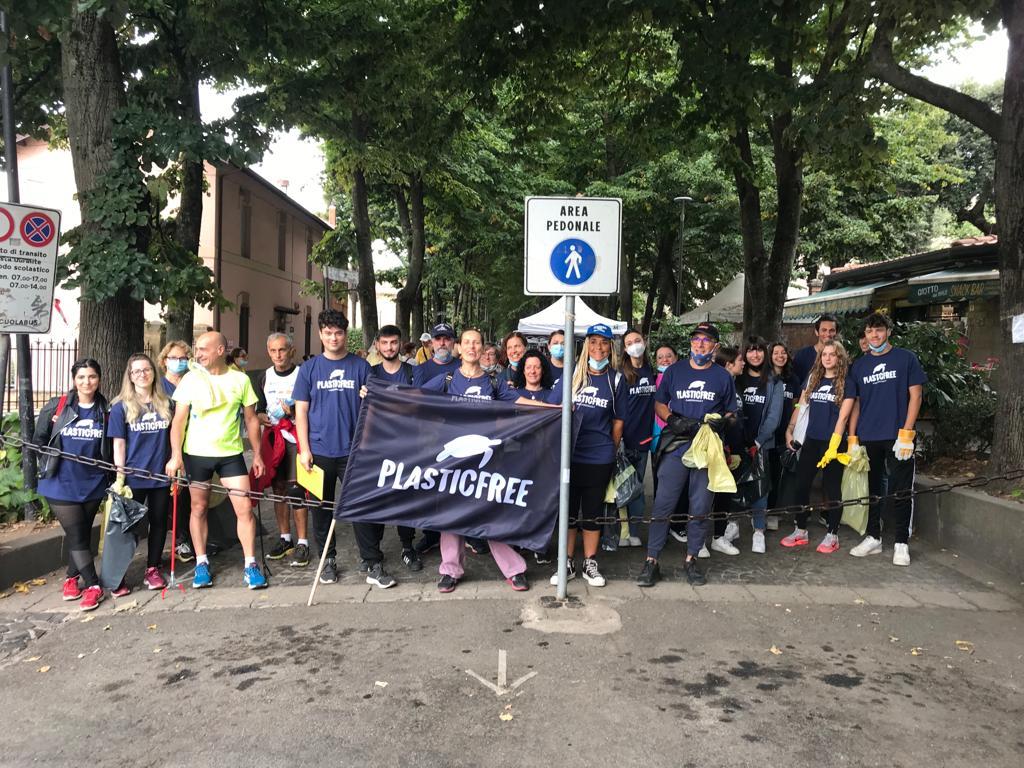Genzano, successo per l'iniziativa di pulizia dell'ambiente messa in atto dall'associazione Plastic Free