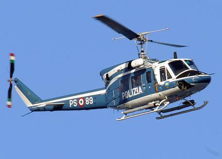 Lanuvio, elicottero della polizia fa un blitz nella notte: arrestato criminale già noto