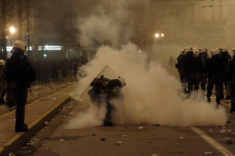 Grecia: oltre la crisi, anche le botte