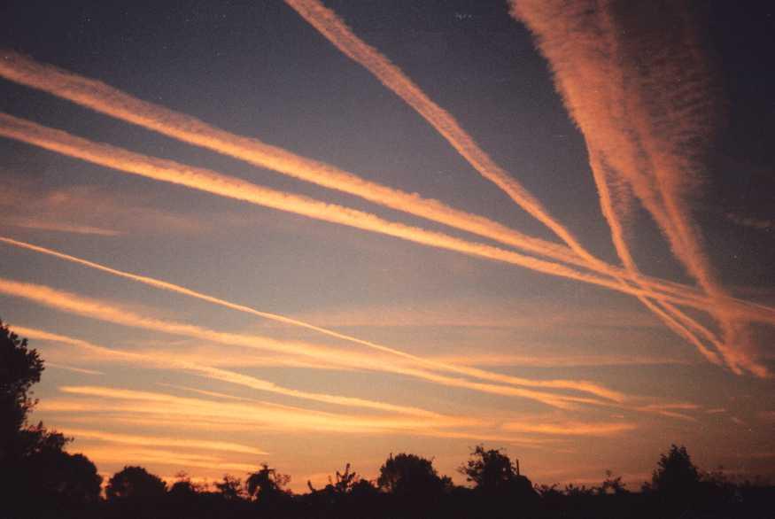 «Scie chimiche, abolite il segreto di Stato»