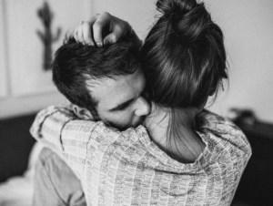 Η αγάπη κρύβεται στην αγκαλιά!
