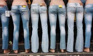 Δείτε γιατί δεν πρέπει να πλένετε τα jeans σας ποτέ. Αντί για πλυντήριο κατάψυξη!!Ο διευθύνων σύμβουλος της Levi's εξηγεί το γιατί…