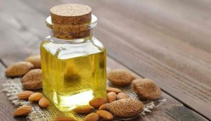 Read more about the article Αμυγδαλέλαιο: Οι ευεργετικές ιδιότητες και χρήσεις του στην ομορφιά
