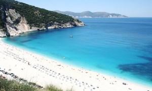 Read more about the article Η ιστορία της λέξης πλαζ- Πώς από το αρχαίο ελληνικό πλάγιος φτάσαμε στο γαλλικό plage