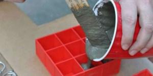Όταν μάθαμε γιατί έβαλε τσιμέντο στην παγοθήκη, αρπάξαμε τα εργαλεία μας!