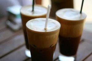 Δεν σας κάνουμε πλάκα! Είσοδος στις καφετέριες με το σπιτικό ποτήρι μας για…οικολογικούς λόγους!
