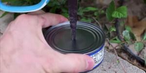Πήρε μία κονσέρβα με τόνο και άνοιξε μία τρύπα. Το αποτέλεσμα..