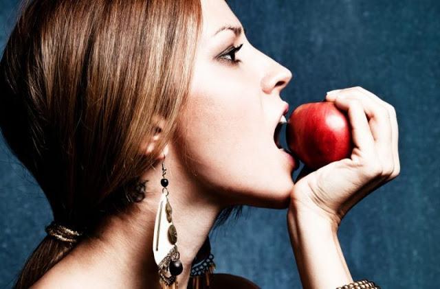 Read more about the article 4 διαιτολόγοι αποκαλύπτουν το μοναδικό πράγμα που πρέπει να σταματήσεις να τρως το 2019