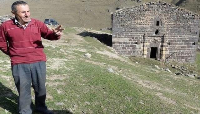 Τούρκος Βοσκός Που Προστατεύει Ελληνική Εκκλησία