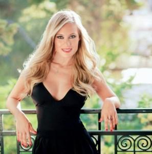Read more about the article Ελεονώρα Μελέτη: Έτσι έχασε τα 10 κιλά της εγκυμοσύνης!