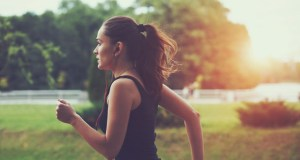 Read more about the article Αργό ή γρήγορο τρέξιμο: Ποιο από τα δύο καίει περισσότερες θερμίδες;