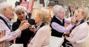 Read more about the article 84χρονος άντρας έκανε μαθήματα μακιγιάζ για να μπορεί να βάφει την σύζυγό του που σύντομα θα μείνει τυφλή